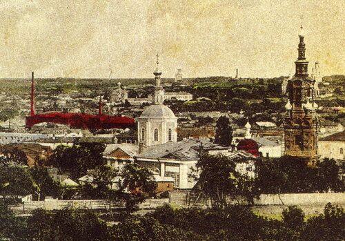 Дореволюционная раскрашенная карточка с видом города с церквями